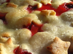 blackberry-strawberry star cutout pie